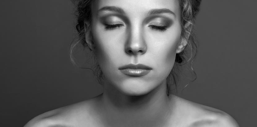 Schonend und langfristig Pigmentflecken entfernen? Hautdoktor ermöglicht das